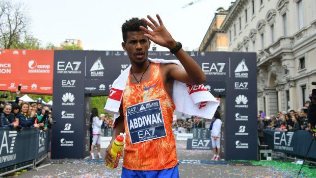 Tura Seifu Abdiwak, il vincitore della Milano Marathon. foto LaPresse/ Gian Mattia D'Alberto