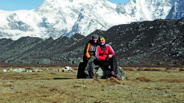 Nives e Romano davanti al Kangchenjunga